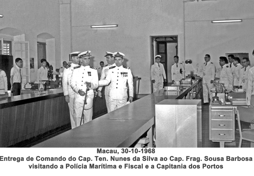 364 68-10-30 entrega de Comando de Com.te Nunes da Silva ao Com.te Barbosa